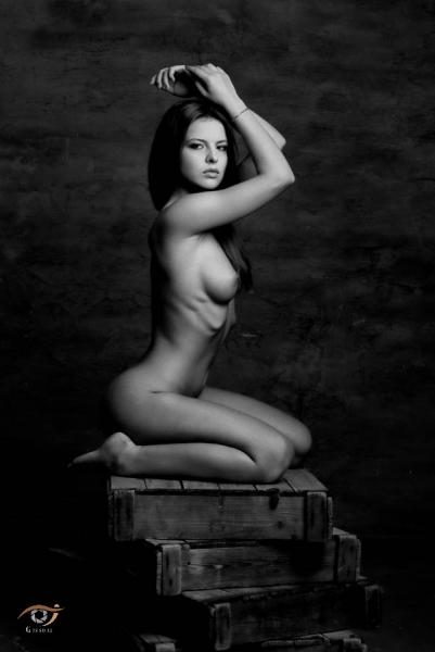julia zu nude